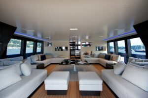sailing-yacht-better-place-interior-by-wetzels-brown-partners-photo-toni-meneguzzo